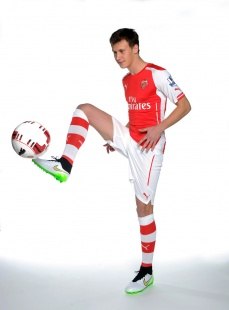 With thanks to Arsenal.com for picture.