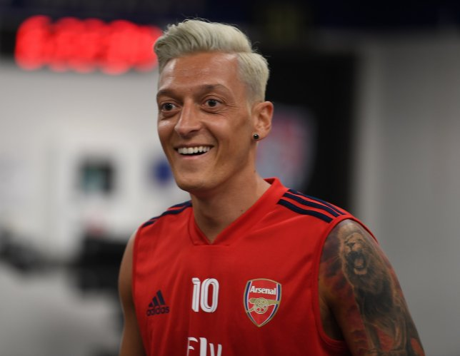 mesut happy