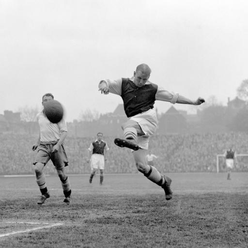 Clifff Bastin in action (1)